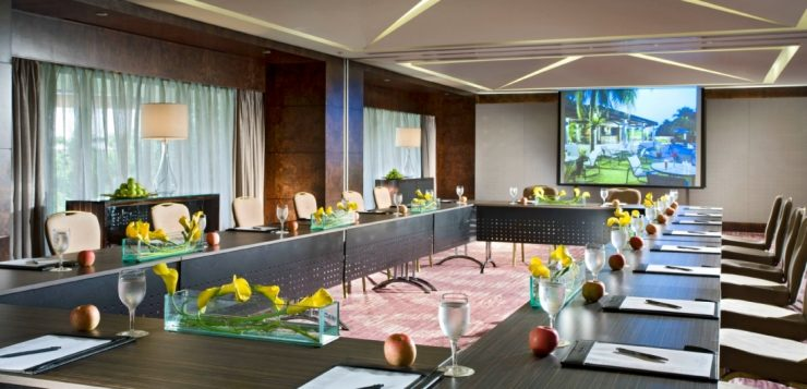 Sheraton Tower Singapore is one of the luxury hotels