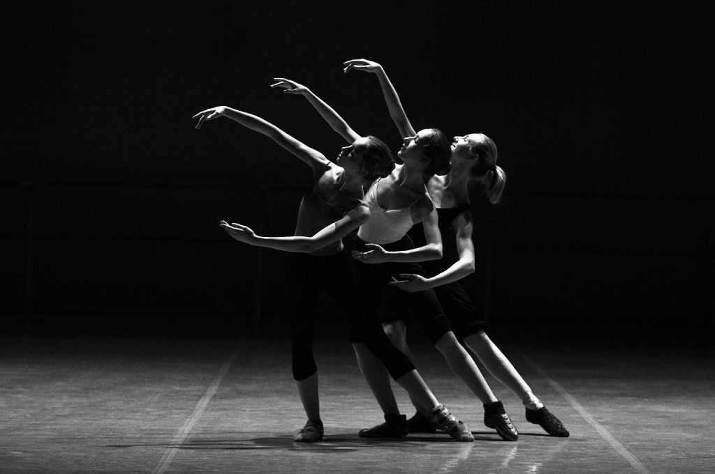 sign-up-for-dance-classes-in-singapore-at-aqdance